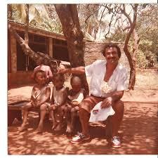 vincenzo a Kilifi Kenya con piccoli